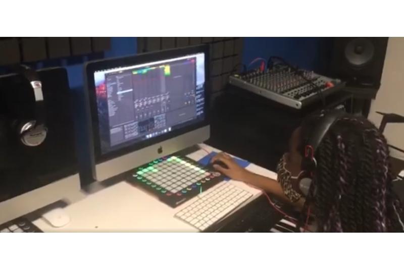 Música de integração: a pauta que afina o futuro feminino, com eco nos bairros