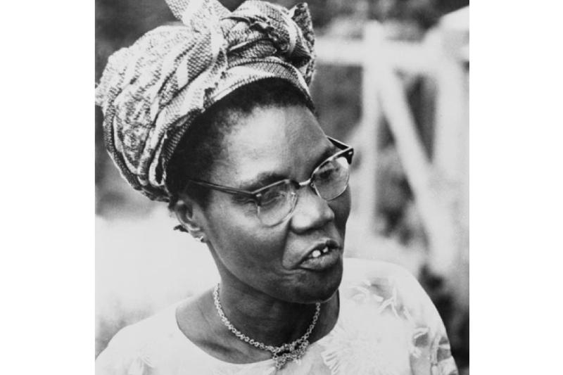 """A """"Mãe África"""" que derrubou um rei e corou a majestade feminina"""
