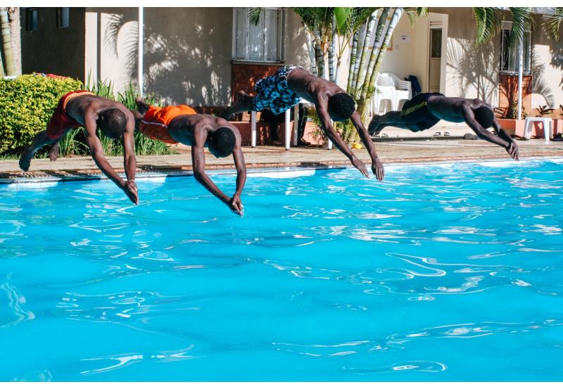 Aprendeu que o negro não sabe nadar, agora mergulha online pela inclusão