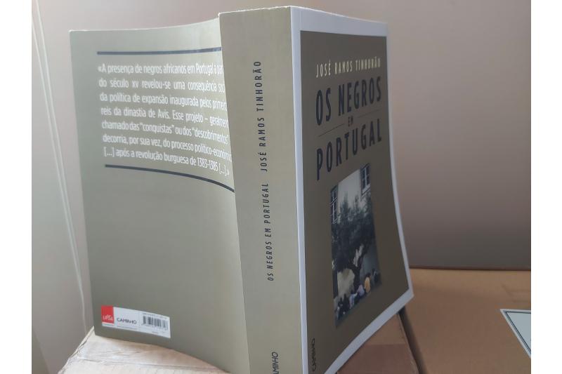 O branqueamento dos negros em Portugal, na obra de José Ramos Tinhorão